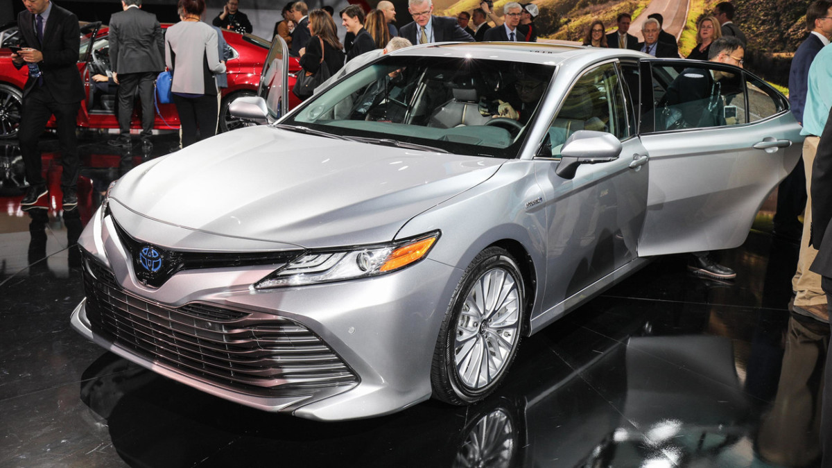 Новая Toyota Camry 2018 официально представлена в Детройте