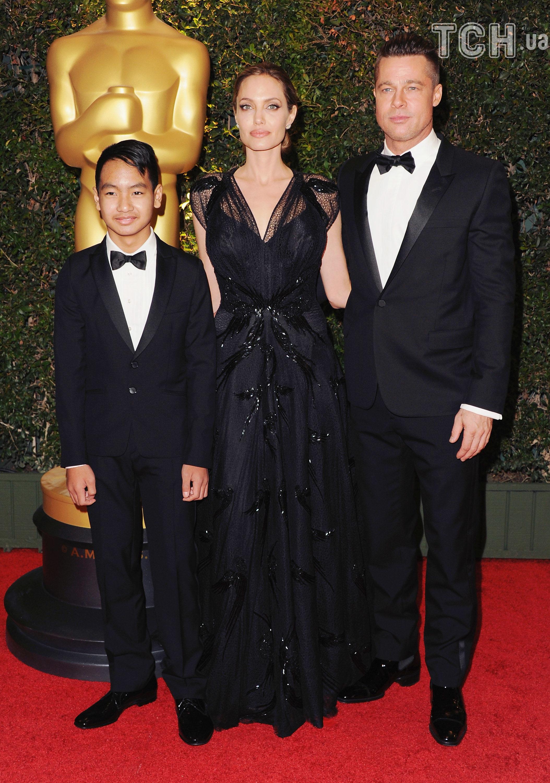 Анджеліна Джолі та Бред Пітт з сином