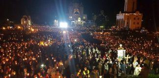 В Зарванице прошло многотысячное шествие со свечами