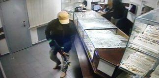Нападавшие на ювелирку в Киеве были иностранцами, до мелочей просчитавшими детали - полиция