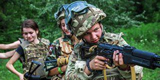 Тренировка женского батальона организации Правый сектор в Закарпатской области Украины