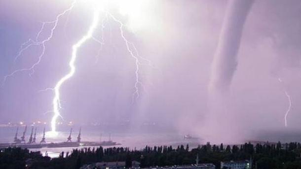Ураган в Феодосии. Фото: instagram.com/feodoz