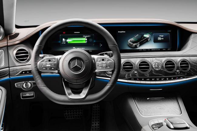 Гибрид Mercedes-Benz S 560 e прибудет в Россию до конца года 2