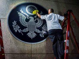 Путин поинтересовался судьбой съеденных орланом с герба США оливок