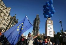 В Лондоне 700 тыс. человек потребовали новый референдум по Brexit
