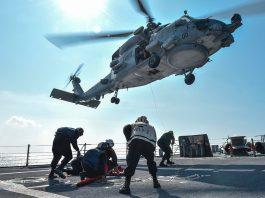 Вертолет упал на палубу американского авианосца Ronald Reagan