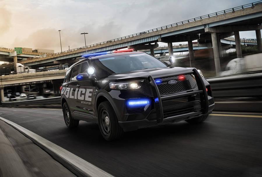 Ford готовит новую полицейскую модель Interceptor на базе Explorer 2020 - Fainaidea 1