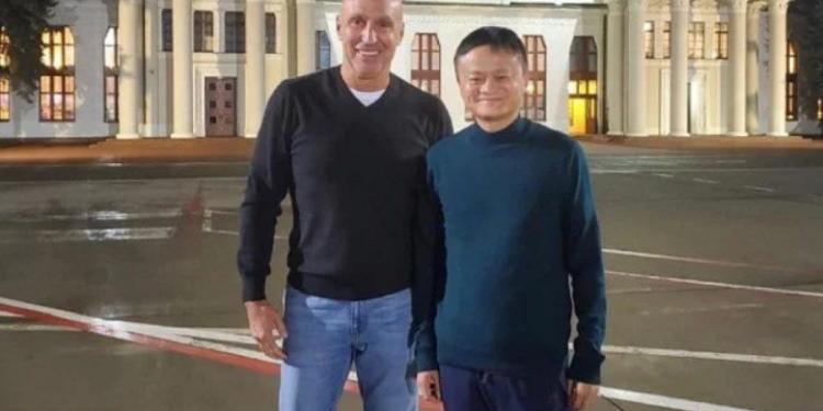 Основатель AliExpress Джек Ма впервые прилетел в Украину и выступил перед студентами