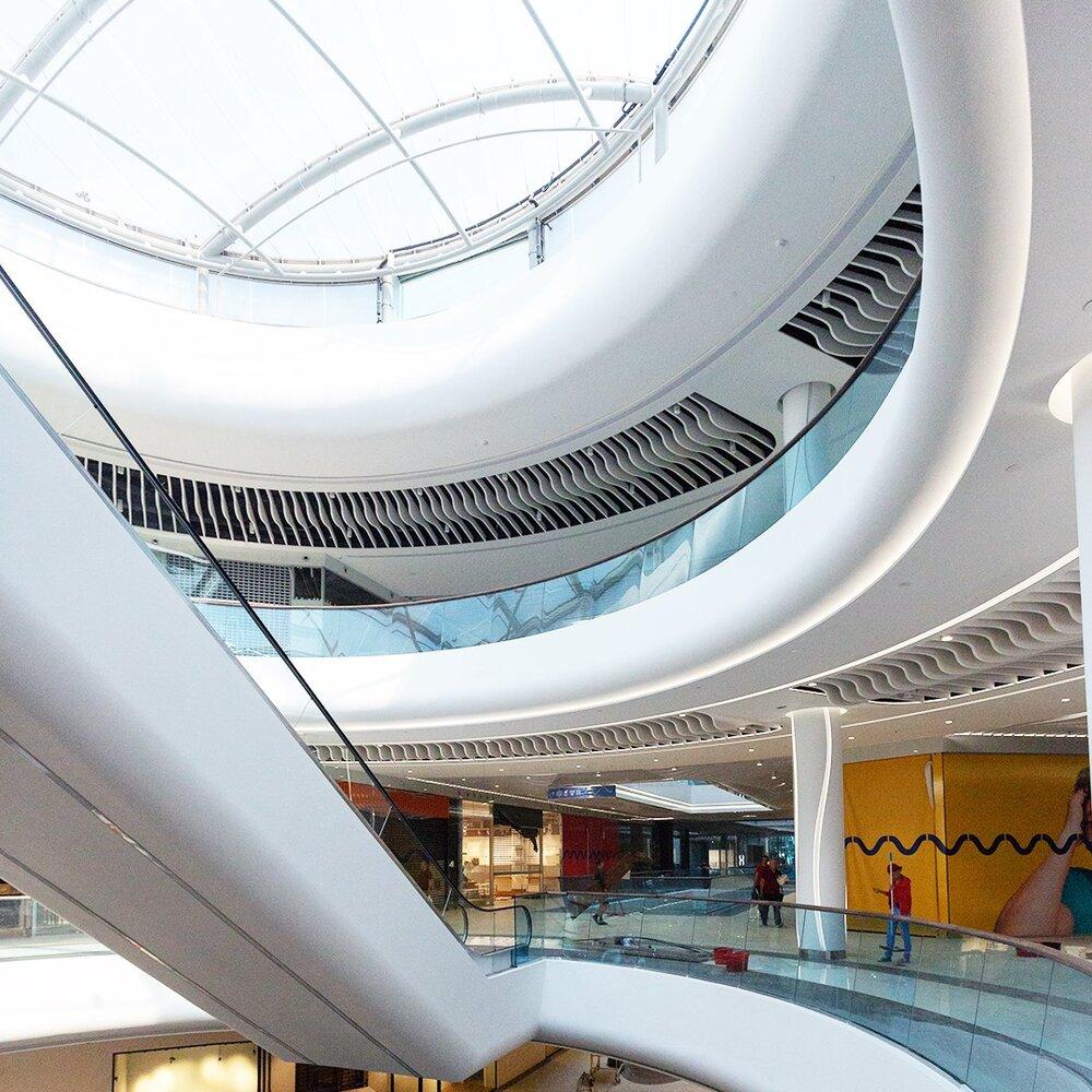 В Киеве открылся новый ТРЦ River Mall 1