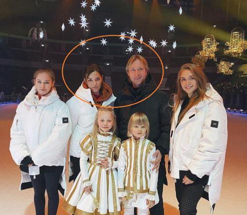 «Выкупила» Плющенко или зачем Рудковская дарит Louis Vuitton «любовнице» мужа? 2