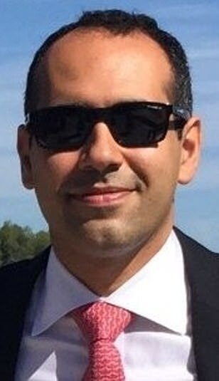 Погибший в авиакатастрофе британец Сэм Зукаи