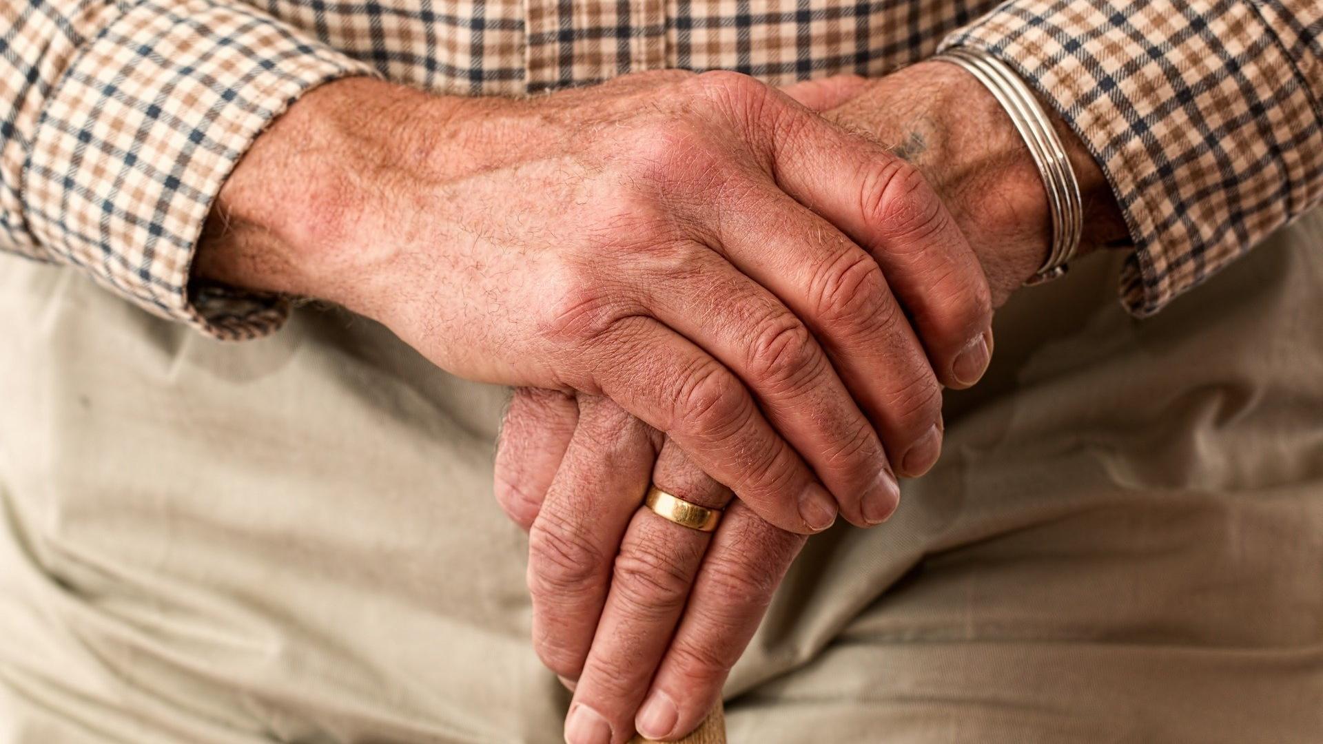 Наука: Здоровье пожилых ухудшается, когда они сталкиваются с эйджизмом 1