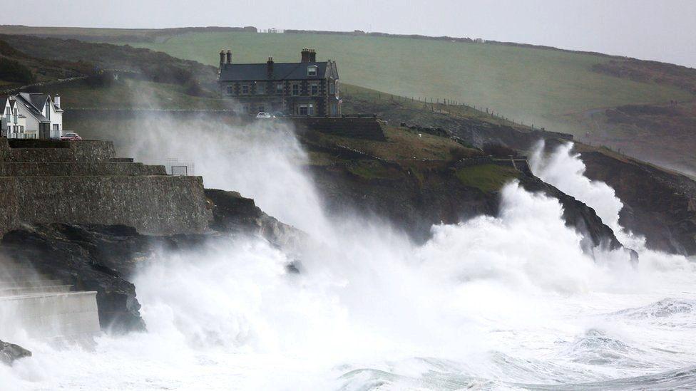 Волны в Корнуолле, Великобритания