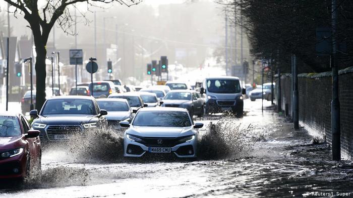 Последствия урагана: наводнение в Манчестере