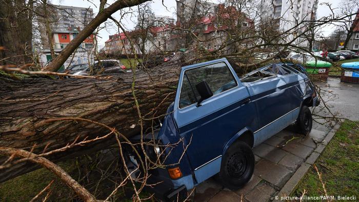 Последствия непогоды в польском городе Колобжег