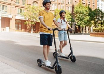 mi electric scooter 3 696x512.jpg