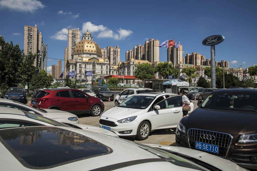 Китайцы разлюбили автомобили? Они покупают все меньше 1